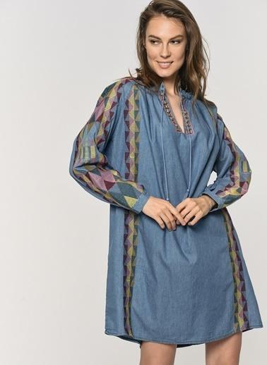 Loves You Kolları Nakışlı Pamuklu Denim Elbise Mavi